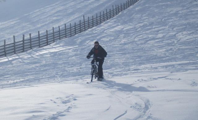 pedalear con nieve