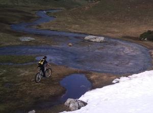 Ruta en bici a la laguna de Las Verdes en Primavera