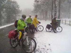 Peregrino bici invierno nieve